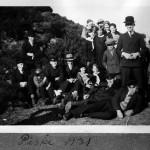 Paasken 1931 - Reinert med hatt til hoyre