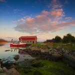Naust og båter 19.05.2014. Foto: Saulius Misiunas